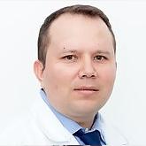 Dr. OLMAN ELBERTO ESTEBAN M.Cirugía de ToraxVER MÁS...
